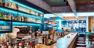 游牧设计与生活方式酒店 - 巴塞尔 - 酒吧