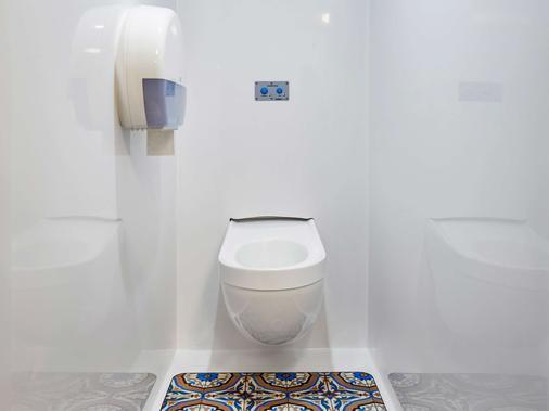 图卢兹机场F1酒店 - 布拉尼亚克 - 浴室