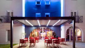拉罗谢尔中心基里雅德酒店 - 拉罗谢尔 - 建筑