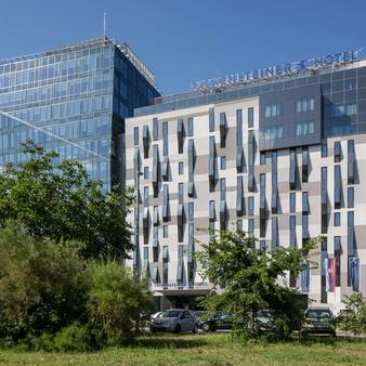贝尔格莱德法肯斯特诺酒店 - 贝尔格莱德 - 建筑