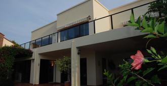 加里尼家庭旅馆 - 普利登堡湾 - 建筑