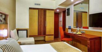 凯普斯阿斯托利亚酒店 - 伊拉克里翁 - 睡房