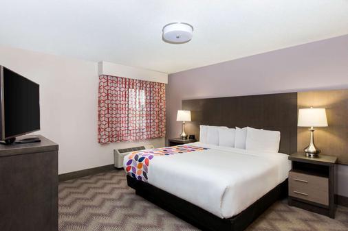 纳什维尔古特雷茨维尔拉昆塔酒店及套房 - Goodlettsville - 睡房