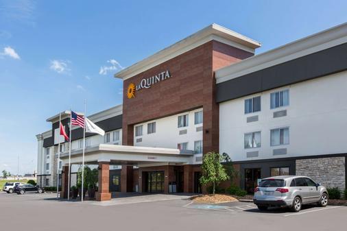 纳什维尔古特雷茨维尔拉昆塔酒店及套房 - Goodlettsville - 建筑