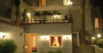 那不勒斯玛格丽特别墅酒店 - 那不勒斯 - 建筑