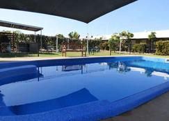 小猎犬汽车旅馆 - 凯萨琳 - 游泳池