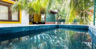 背包客青年旅舍别墅 - 科伦坡 - 游泳池