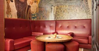 伊曼纽尔马克斯德拉阁生活酒店 - 慕尼黑 - 酒吧
