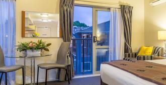 贝斯韦斯特纽兹马肯特酒店及套房 - 奥克兰 - 睡房