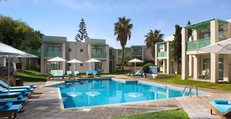 阿加皮海滩酒店 - 伊拉克里翁 - 游泳池