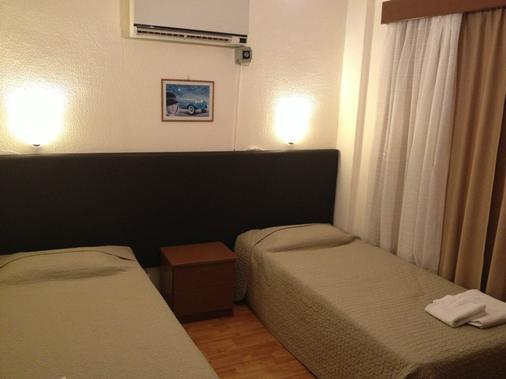 帕斯娜公寓式酒店 - 拉纳卡 - 睡房
