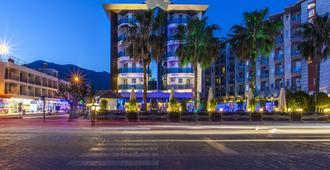 帕拉多尔海滩酒店 - 式 - 阿拉尼亚