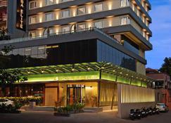 苏巴精英酒店 - 瓦多达拉(巴罗达) - 建筑