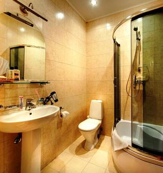 索纳塔娜方坦奇酒店 - 圣彼德堡 - 浴室