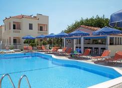 阿佛洛狄忒套房酒店 - 马拉斯豪克艾蒙普斯 - 游泳池