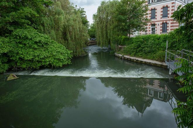 布尔吉车站原创访问酒店(小德尔酒店) - 布尔日 - 户外景观