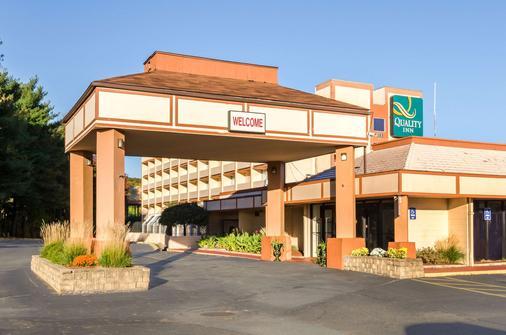西斯普林菲尔德品质酒店 - 西斯普林菲尔德 - 建筑
