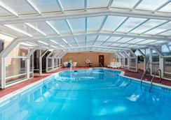 西斯普林菲尔德品质酒店 - 西斯普林菲尔德 - 游泳池