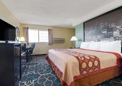 堪萨斯城速8酒店 - 堪萨斯城 - 睡房