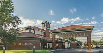 亚历山大机场拉金塔旅馆及套房 - 亚历山德里亚