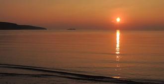 Sunset Bed and Breakfast - 哈佛威斯特 - 户外景观