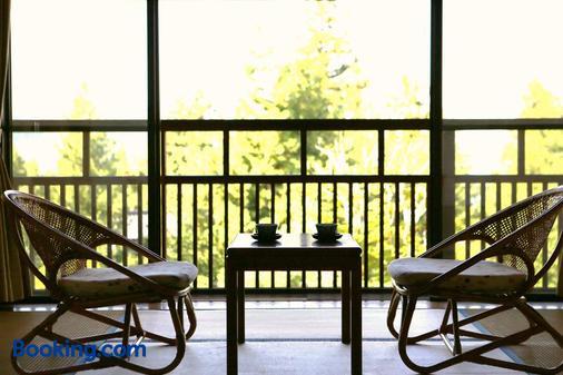 上林酒店仙寿阁 - 山之內町 - 阳台