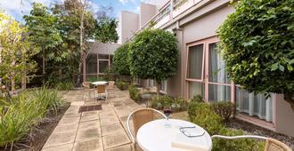 金伯利花园酒店及服务式公寓 - 墨尔本 - 露台