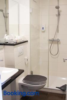 施翁花园加尼酒店 - 林道 - 浴室
