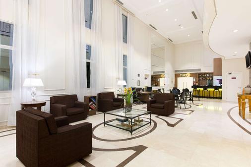奥斯卡弗莱雷舒适套房酒店 - 圣保罗 - 大厅