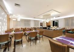 奥斯卡弗莱雷舒适套房酒店 - 圣保罗 - 餐馆