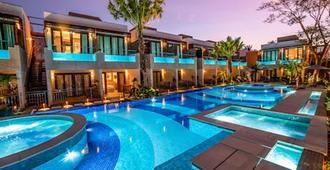 自然艺术旅馆 - 博尼图 - 游泳池