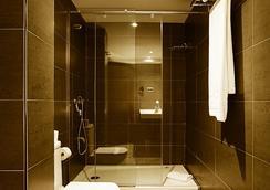 西尔肯和睦酒店 - 巴塞罗那 - 浴室