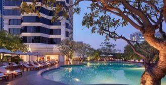 曼谷君悦酒店 - 曼谷 - 游泳池