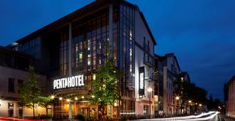 pentahotel酒店-罗斯托克 - 罗斯托克