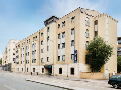 布里斯托市中心旅游旅馆 - 布里斯托 - 建筑