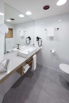 格丁根高特尔生活酒店 - 哥廷根 - 浴室