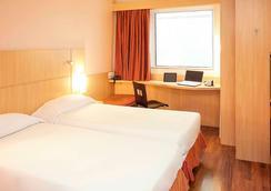 里约热内卢桑托斯杜蒙特宜必思酒店 - 里约热内卢 - 睡房