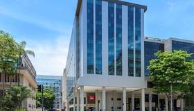 里约热内卢桑托斯杜蒙特宜必思酒店 - 里约热内卢 - 建筑