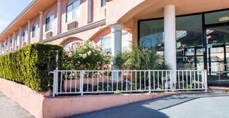 加州好莱坞罗德威旅馆 - 洛杉矶 - 建筑