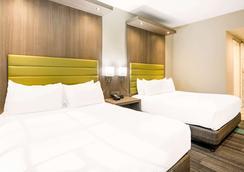 加州好莱坞罗德威旅馆 - 洛杉矶 - 睡房