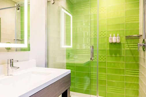 加州好莱坞罗德威旅馆 - 洛杉矶 - 浴室