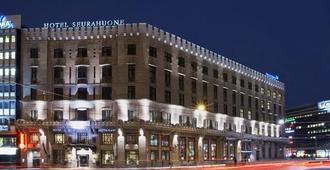 赫尔辛基色拉霍恩酒店 - 赫尔辛基 - 建筑