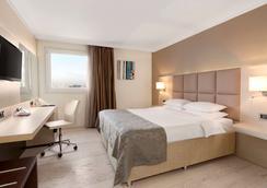 索菲亚市中心温德姆华美达酒店 - 索非亚 - 睡房