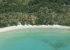 慕蒂亚拉海滩度假村 - 特鲁克巴库 - 户外景观