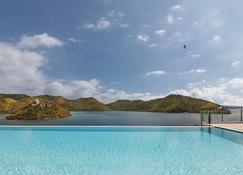 布桑加湾小屋 - 布桑加 - 游泳池