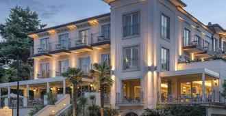 罗莎别墅酒店 - 代森扎诺-德尔加达 - 建筑