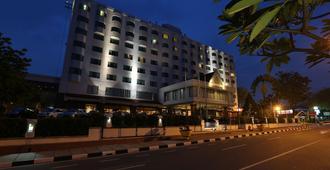 北干巴鲁阿里亚酒店 - 北干巴鲁/帕干巴鲁