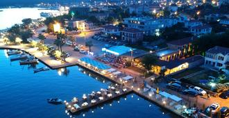 库达德尼兹酒店 - 艾瓦勒克 - 户外景观