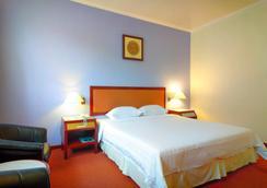 亚庇香格里拉酒店 - 亚庇 - 睡房