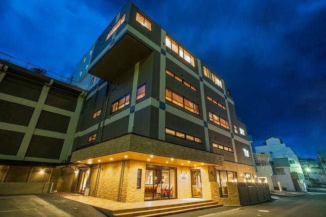 萨扎纳新羽日式旅馆 - 东伊豆町 - 建筑